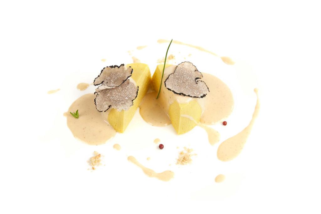 Flan-di-patate-e-Vellutata-al-Tartufo-Nero